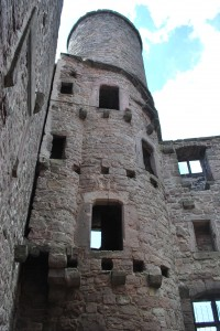The ruin of one of the two towers of castle Hanstein.